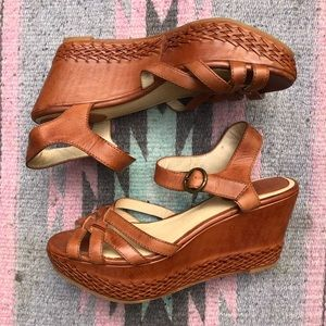 🍒 Frye Carlie 2 Piece Wedges/Platform Sandals 🍒